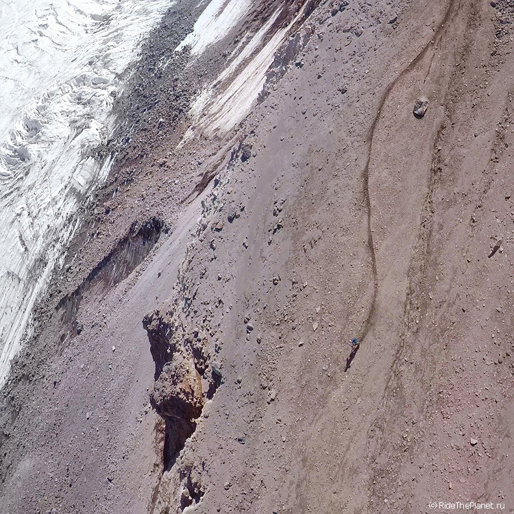 север эльбруса с горным вылосипедом