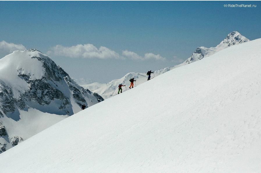 майское восхождение на эльбрус с лыжами и сноубордом